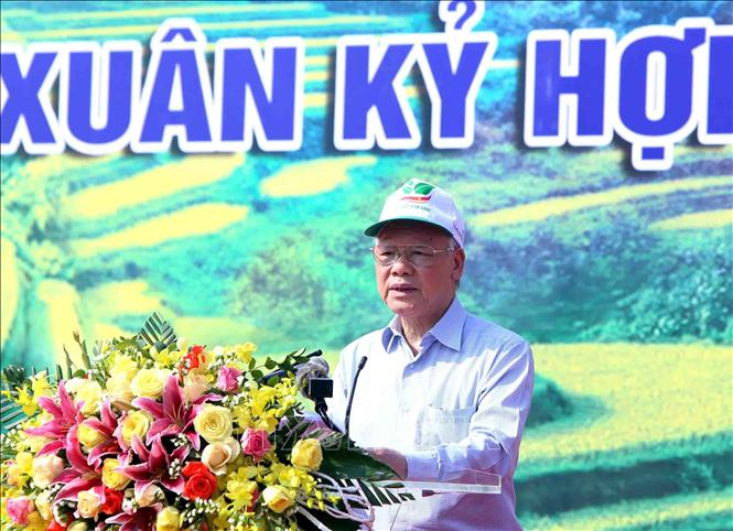 Photo: Party General Secretary, President Nguyen Phu Trong speaks at the New Year Tree Planting Festival. VNA Photo: Vũ Sinh