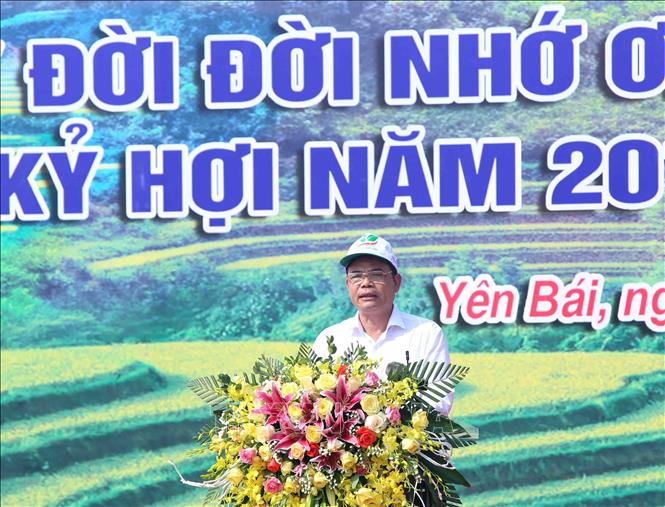Photo: Minister of Agriculture and Rural Development Nguyen Xuan Cuong speaks at the New Year Tree Planting Festival. VNA Photo: Vũ Sinh
