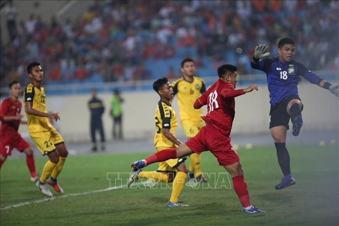 Photo: The moment when Vietnamese players score their first goal in the match. VNA Photo: Trọng Đạt