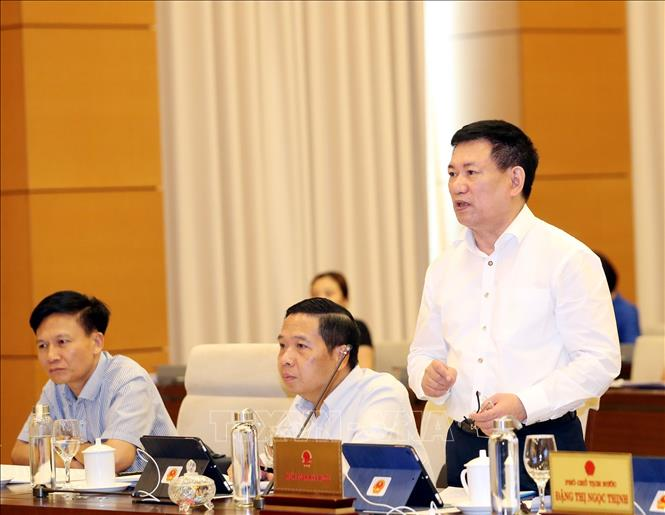 Photo: Auditor General of the State Audit Ho Duc Phoc speaks at the session. VNA Photo: Trọng Đức