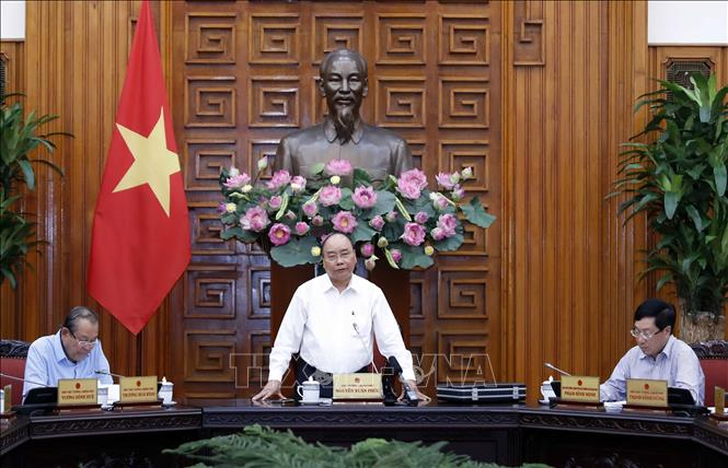 Photo: Prime Minister Nguyen Xuan Phuc speaks at the Government meeting. VNA Photo: Thống Nhất