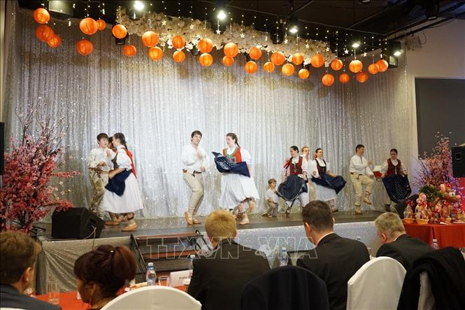 Photo: Czech traditional dance at the event. VNA Photo: Hồng Kỳ