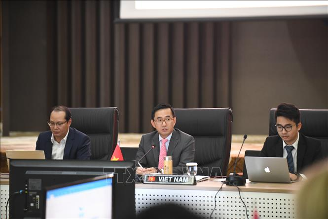 Photo: Ambassador Tran Duc Binh, head of the Vietnamese permanent mission to ASEAN, chairs the meeting. VNA Photo: Hữu Chiến