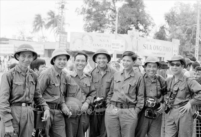 Kỷ Niệm 45 Năm Ngay Giải Phong Hoan Toan Miền Nam Thống Nhất đất Nước 30 4 1975 30 4 2020 Phong Vien Ttxvn Trong Chiến Dịch Hồ Chi Minh ảnh Chuyen đề