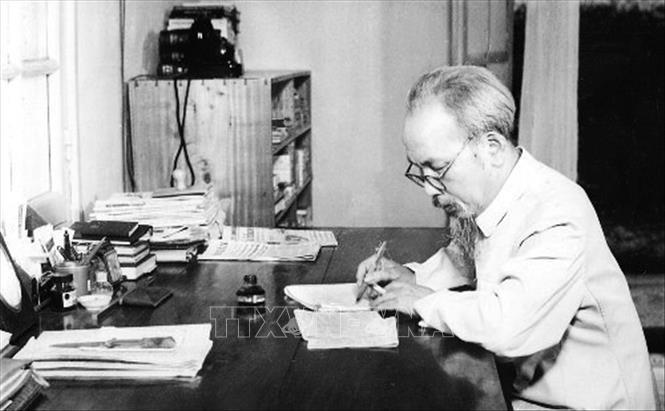 Trong ảnh: Chủ tịch Hồ Chí Minh - Người thầy vĩ đại của những người làm báo cách mạng Việt Nam. Ảnh: Tư liệu TTXVN