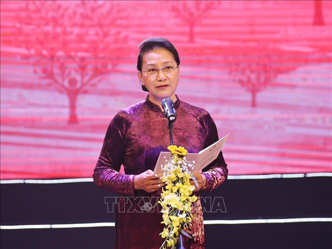 Kết quả hình ảnh cho Chủ Tịch quốc hội Nguyễn Thị Kim Ngân tham dự chương trình 'Sức mạnh nhân đạo 2021' : Tết vì người nghèo và nạn nhân chất độc màu da cam