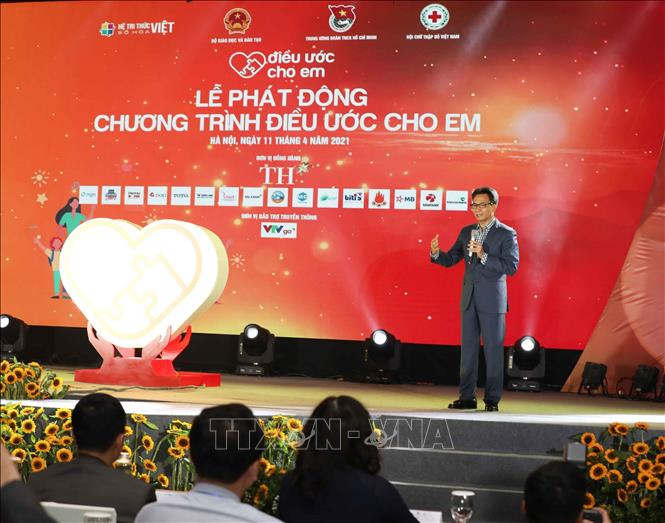 Photo: Deputy Prime Minister Vu Duc Dam speaks at the event. VNA Photo: Thanh Tùng